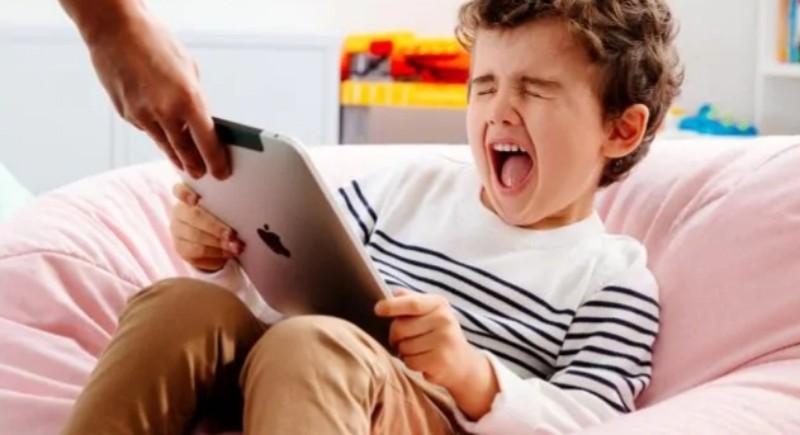 """""""Tega"""", Kunci Mengatasi Kecanduan Gadget pada Anak Kita -Bagian-1"""