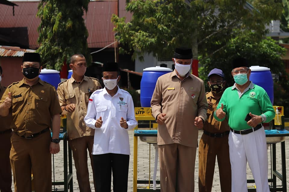 BAZNAS Kota Padang Bagikan 104 Alat Cuci Tangan