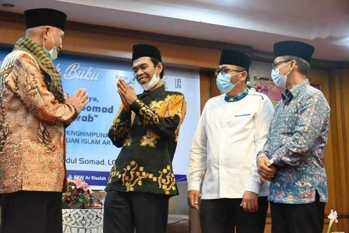 UAS Bedah Buku di Padang, Gubernur Mahyeldi Sampaikan Terimakasih