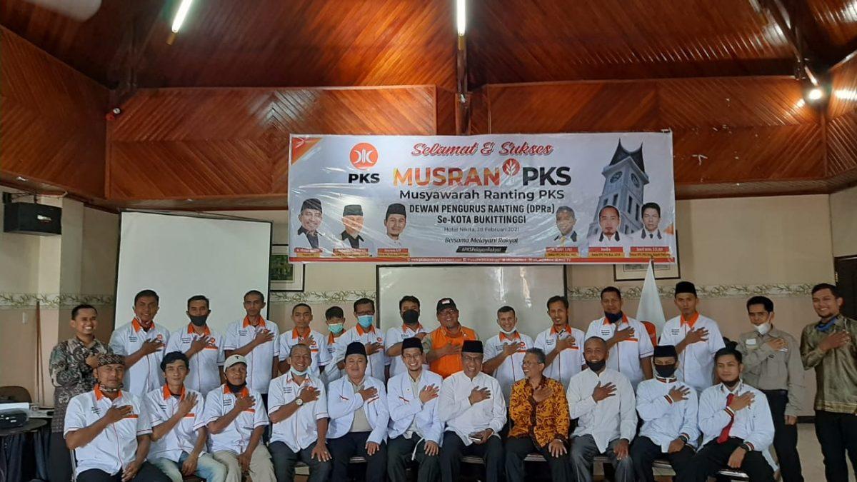 Lengkapi Struktur, PKS Bukittinggi Kukuhkan Puluhan Pengurus Kelurahan