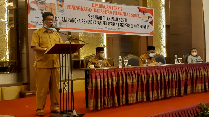 Dinsos Padang Gelar Bimtek Peningkatan Kapasitas Pilar-Pilar Sosial
